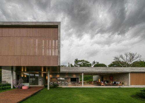 Archdaily | Casa PLM